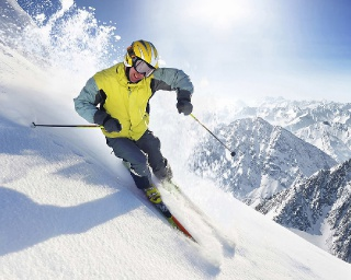 Jak wybrać najlepsze ubezpieczenie na narty?