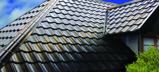 Obróbki blacharskie – niezbędny element dachu marzeń.