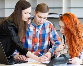 Wybierz studia przyszłości. Studiuj Zarządzanie w administracji