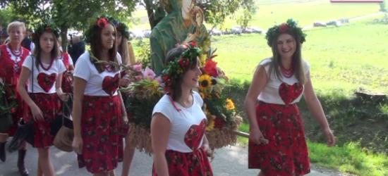 ZAGORZ24.PL: Świeży chleb, kolorowe wieńce i radosne śpiewy. Rolnicy podziękowali za plony (FILM)