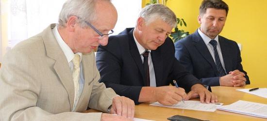 Stanowisko rady w sprawie mandatu radnego i sprawozdanie z działalności między sesjami