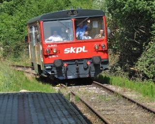 """Przedpremierowy przejazd """"Bieszczadzkiego Motoraczka"""". Nieczynna lokomotywownia ożyje w weekend!"""